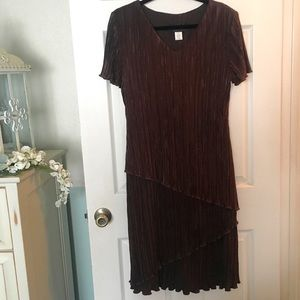 Connected Apparel Tiered Crinkle Dress Size 12